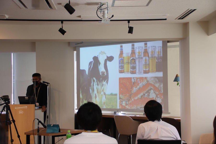 info_thum_ryugakuseipresen_ph07.jpg